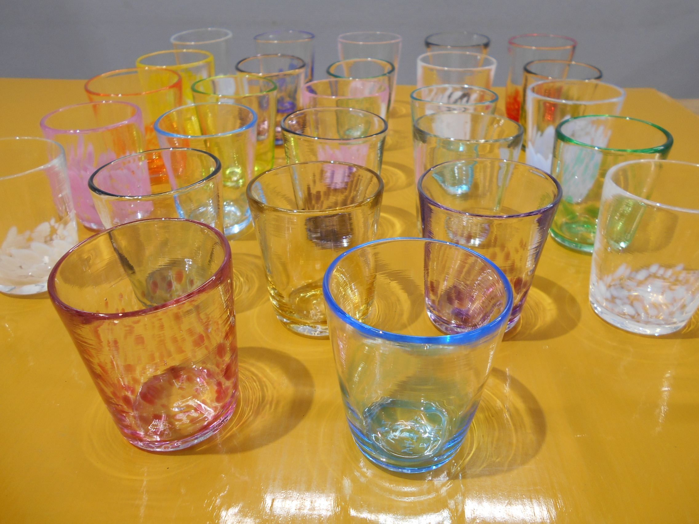 透明ガラスの吹きガラス体験開始します!